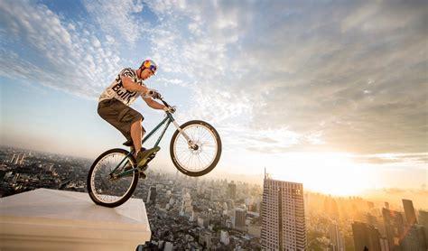Trials Biking, Freestyle Football & Bmx Flatland