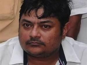 ஜெயலலிதா வாரிசு நான்தான்.. சான்று கேட்டு தாசில்தாரிடம் ...