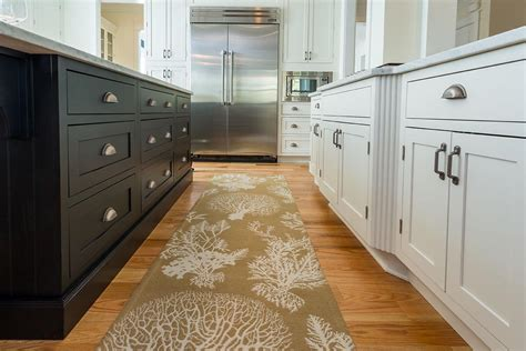 Www Kitchen Cabinets by Luxury South Carolina Home Features Inset Shaker Cabinets
