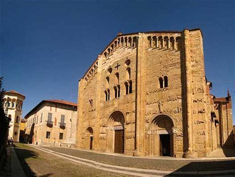 Gi Pavia by Basilica Di San Michele Maggiore Pavia