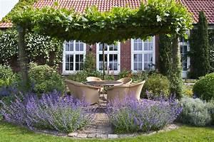 Kies Im Garten : sitzplatz im garten mit kies gartens max ~ Lizthompson.info Haus und Dekorationen