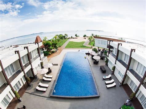 resort  jepara  pemandangan pasir putih  cantik