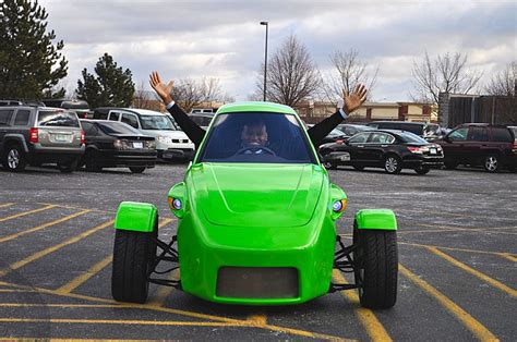 Elio Is A 100 Mph, 84 Mpg Three Wheeled Car For 00