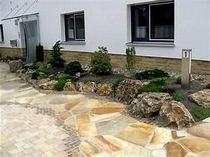 Gartengestaltung Mit Natursteinen : gartengestaltung mit naturstein mauern wasserlaufe und terrassen naturstein im garten ~ Markanthonyermac.com Haus und Dekorationen