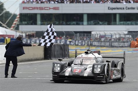 le mans 24 hours 2016 toyota suffer agonising heartbreak as porsche claim last victory