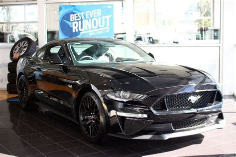 2018 ford mustang gt fastback manual