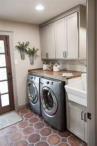 50 beautiful and functional laundry room ideas rustic for Suggested ideas for laundry room design