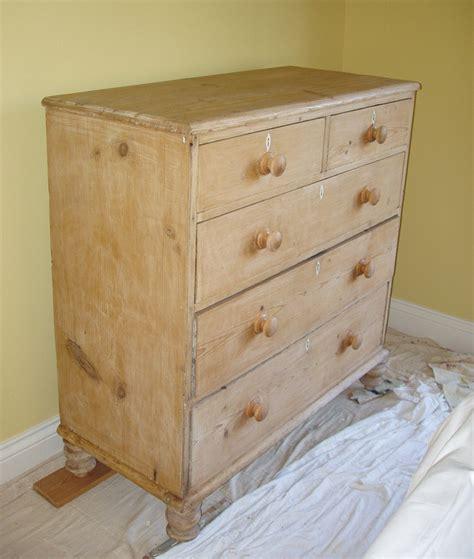 distressed bedroom furniture distressed painted bedroom furniture