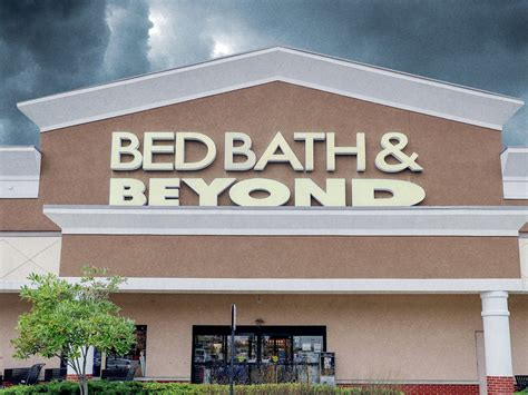 Bed Bath Beyond Sales by Bed Bath And Beyond Sales Plummet Stock At 18 Year Low