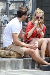 Margot Robbie Shows Her Ice Cream Licking Technique ...