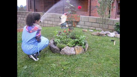 como hacer  centro de hierbas aromaticas en tu jardin