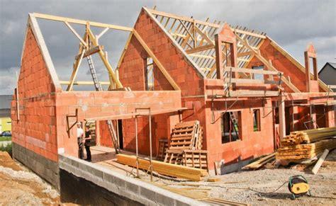 20 minutes vous dit tout sur comment construire ou faire construire votre maison