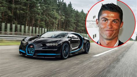 Just before deliveries of the chiron start, bugatti has requested a real champion to give the french luxury brand's new ultimate super sports car a final test drive. Cristiano Ronaldo kauft sich Bugatti Chiron   Auto