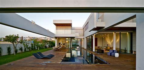 Modern Luxury Villa Pool