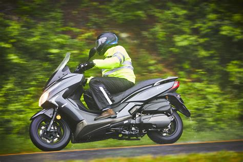 Kymco Downtown 250i 2019 by 2018 Kymco Xtown 300i Scooter Review 12 Fast Facts
