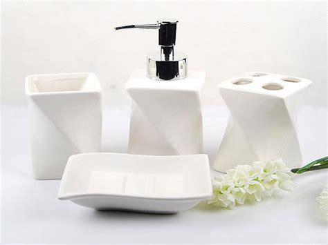 Contemporary Bath Accessories, Black Bathroom Accessories