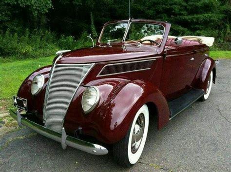 Deluxe 1937 Ford Model 78 Sedan Convertible