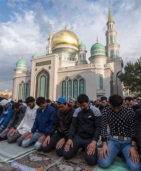 muslims  turkey    world celebrate eid al