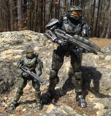 Halo 4 Play Arts Kai Master Chief Figure Review Square