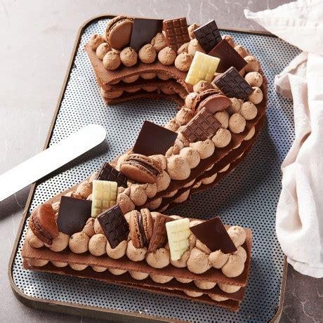 Je suis partie sur un number cake façon fantastik en reprenant des recettes de christophe felder, christophe michalak ou bien 30 réflexions sur number cake façon fantastik chocolat noisettes. - Chiffre 2 Number cake chocolat - Auchan traiteur