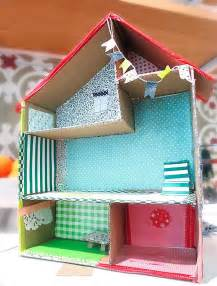 DIY Doll Houses Made with Cardboard
