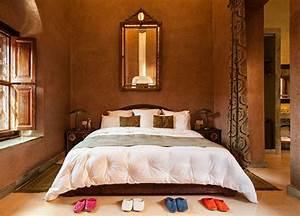 Deco Chambre A Coucher : 33 exemples pour une literie marocaine splendide ~ Teatrodelosmanantiales.com Idées de Décoration