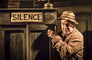 Travesties London Apollo Theatre, starring Tom Hollander