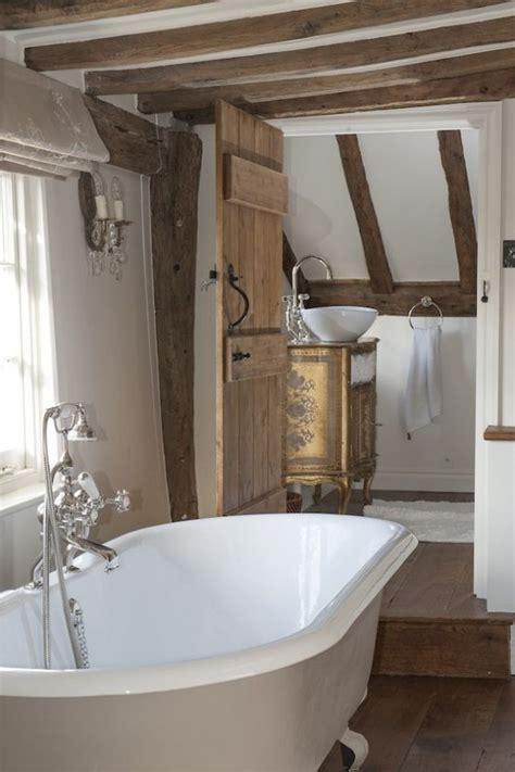 ways  incorporate exposed wooden beams  bathroom
