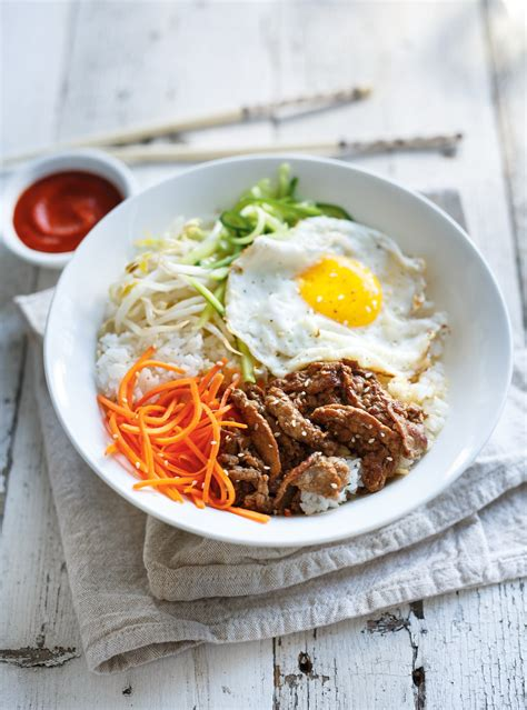bibimbap bol coreen de riz de legumes doeuf  de