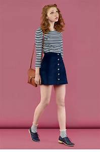 17 Best ideas about Navy Skirt Outfit on Pinterest | Lace skirt outfits High waisted skirt and ...