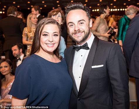 Lisa Armstrong alludes to a 'tough year' amid divorce woes ...