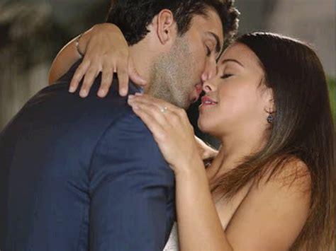 jane villanueva actress gina rodriguez hot jane villanueva jane the virgin 2015