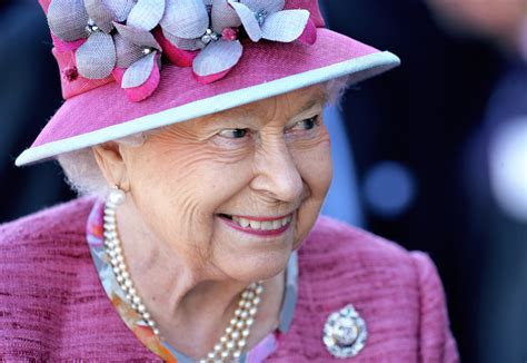 Queen Elizabeth Says Bone Spurs Will Prevent Her from Meeting Trump | The New Yorker