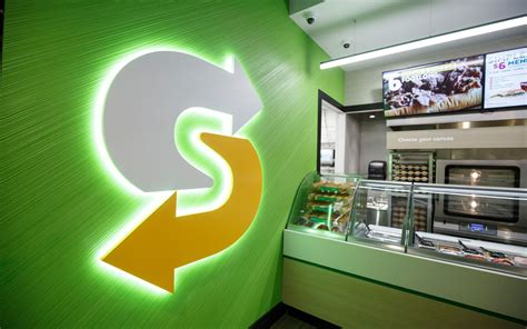 biggest fast food chains  america qsr magazine