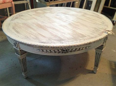 Round Coffee Table Shabby Whiteivory Distressed Finish