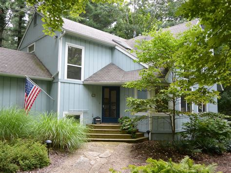 secluded cabin rentals in michigan secluded retreat with and tub 3 br