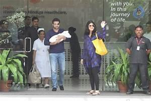 Shilpa Shetty With Her Baby Boy - Photo 12 of 34