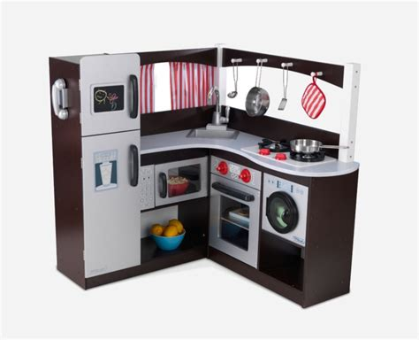 wooden play kitchens  appeal   boys