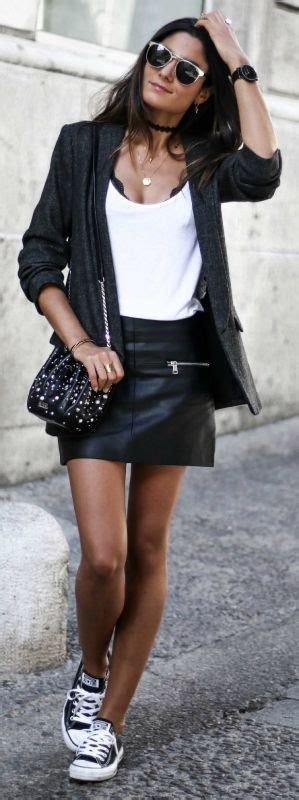 Best 25+ Leather skirt outfits ideas on Pinterest | Leather skirt Leather pencil skirts and ...