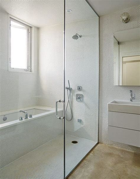 combo shower tub 25 best ideas about bathtub shower combo on