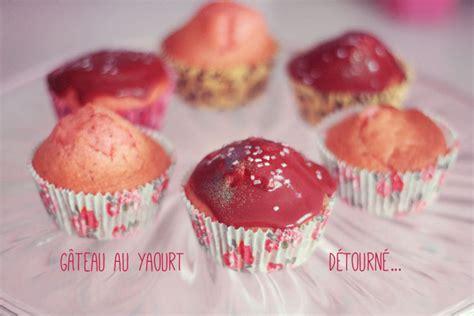 le g 226 teau au yaourt d 233 tourn 233 en cupcakes poulette magique