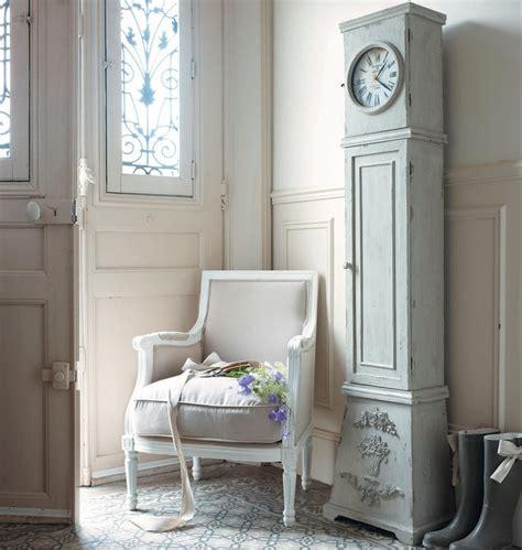 maisons du monde horloge comtoise  aiguilles style pendule photo  en bois de sapin