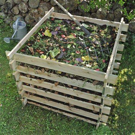 How To Backyard Compost by Start A Compost Pile Composting Garden Compost
