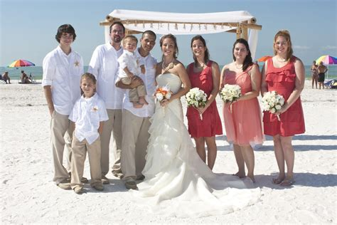 beach wedding bridal party pictures diy wedding flowers