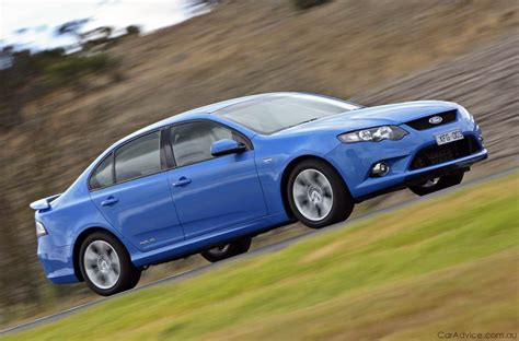 Ford Falcon Xr6 Review & Road Test