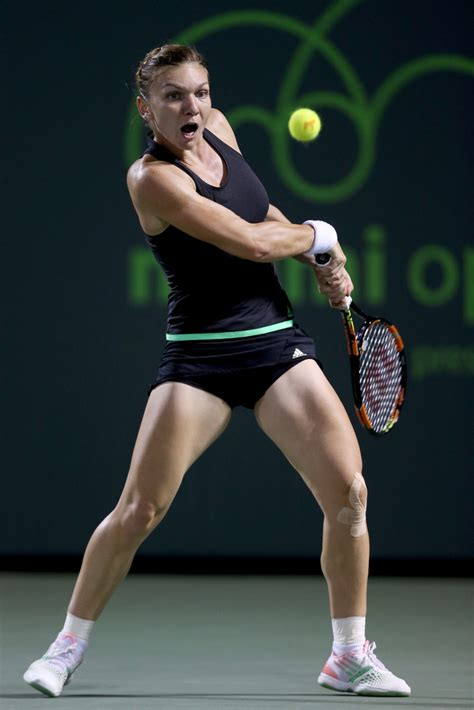 Miami Open: Simona Halep defeats Oceane Dodin in second round - BBC Sport