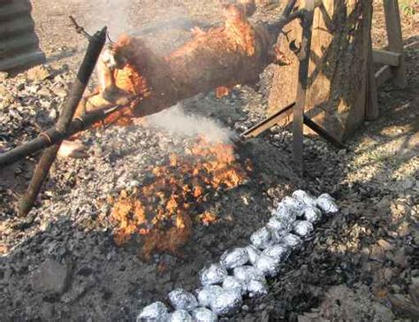 Pomme De Terre Dans La Braise by Cochon De Lait 224 La Gauloise