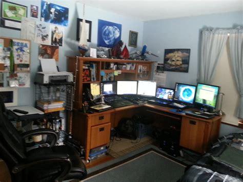 desk for digital artist my desk setup 07 08 2013 by endromida on deviantart