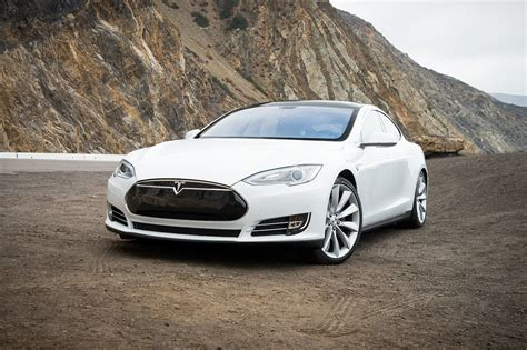 Tesla : 2013 Tesla Model S P85+ Review