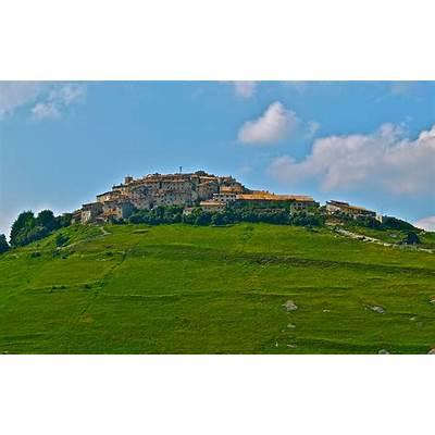 Good Sights: Italy – Castelluccio di Norcia The